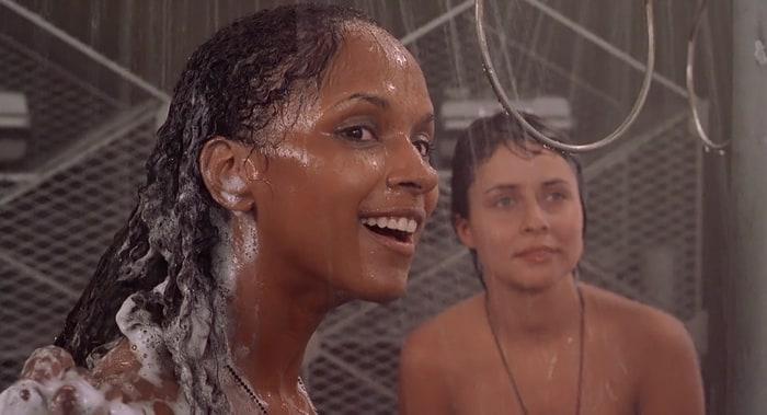 shower Dina meyer