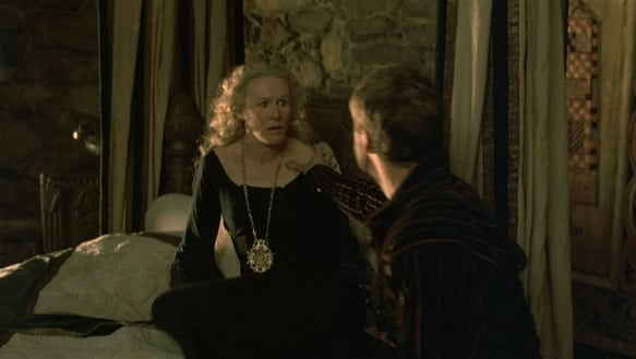 hamlet 1990 movie play comparison It's no surprise hamlet was adapted to a movie it's hamlet—arguably the most important play in 1990, franco zeffirelli of.