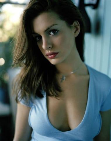 Amazing cleavage pics