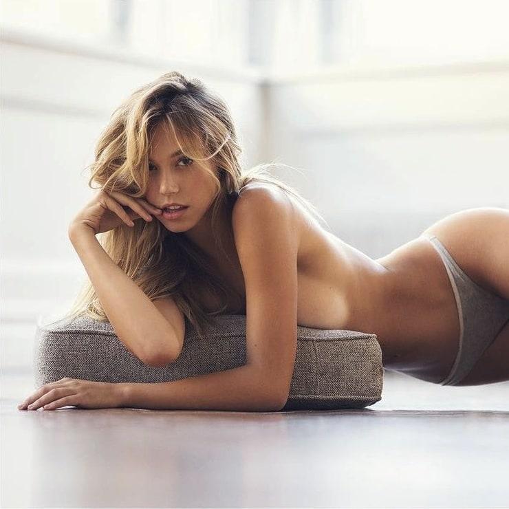 порно фотографии молоденьких