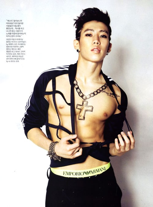 Sexy and shirtless Korean hunks to be thankful for this.